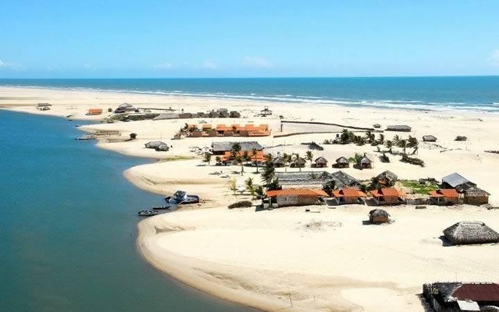 Praia do Caburé em Lençóis maranhenses
