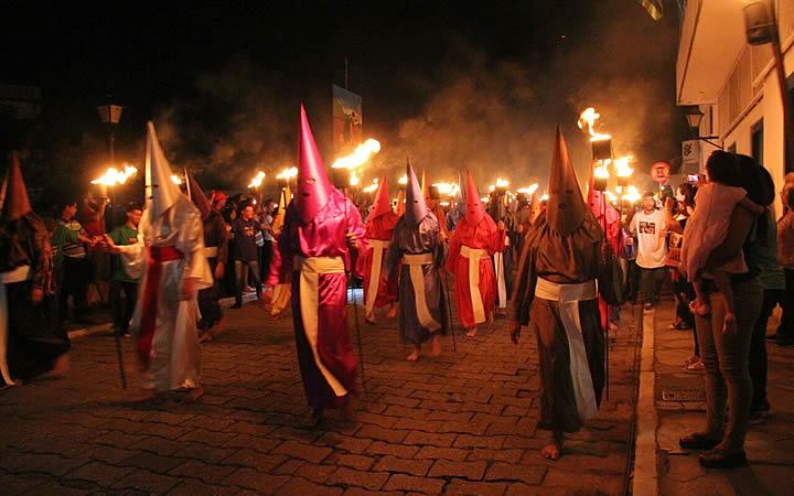 Festas religiosas - Procissão do Fogaréu - Goiás