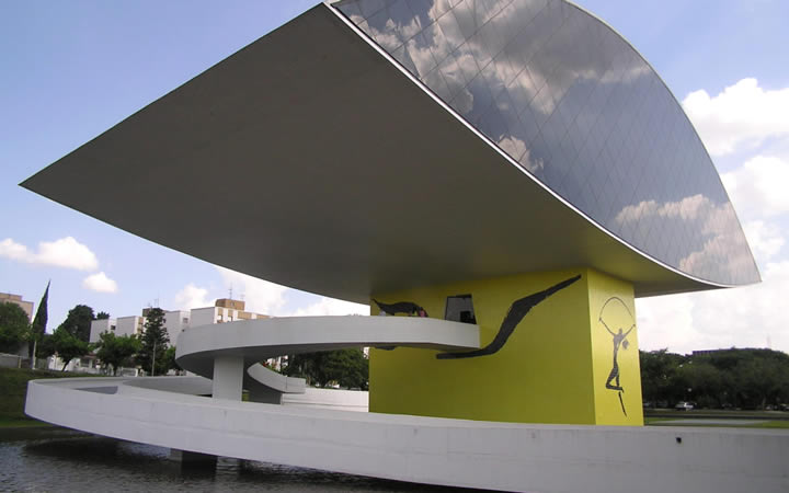 Museu Oscar Niemeyer em Curitiba no Paraná