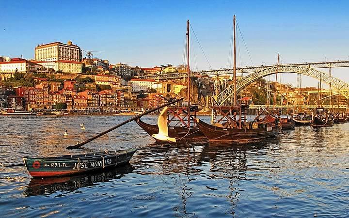 Barcos no Rio Douro - Porto