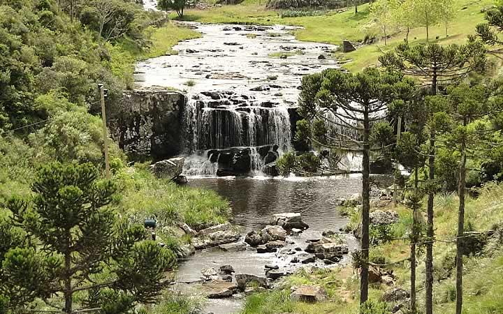 Cachoeira no Rio Barrinha em Bom Jardim da Serra, SC