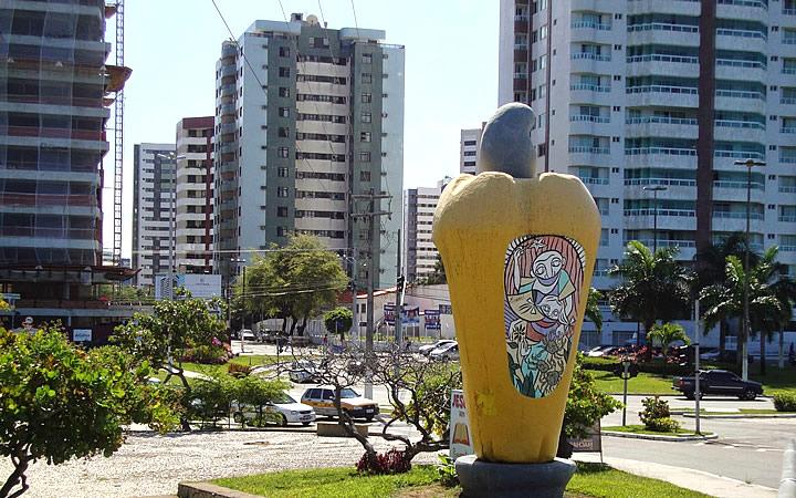 Monumento do Caju no Bairro 13 de junho