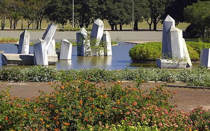 Praça dos Cristais - Brasília