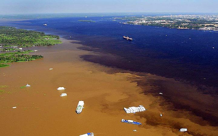 Rio Solimões e Rio Negro - Manaus
