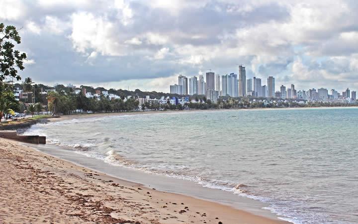 Trechos de praias de João Pessoa e Pitimbu