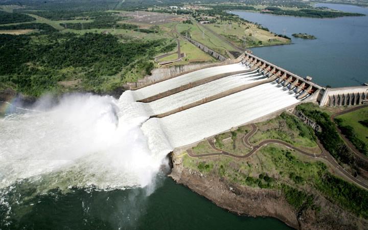Usina Hidrelétrica Itaipu Binacional - Foz do Iguaçu