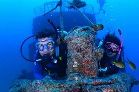 Mergulhadores em Abrolhos