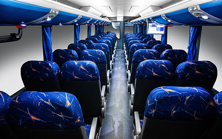 Assentos do ônibus de viagem