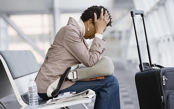 Atraso e cancelamento de voo - Viajante que perdeu o Voo