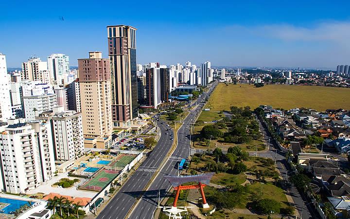 Avenida Cassiano Ricardo em São José dos Campos