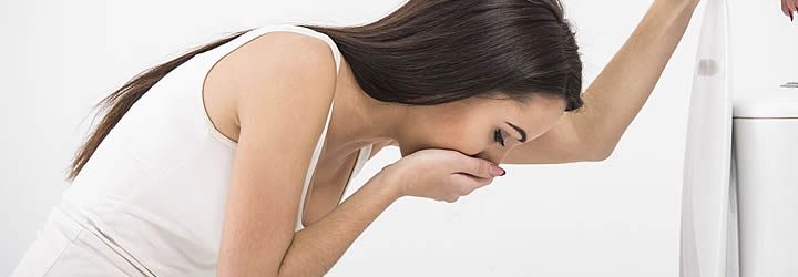 Mulher enjoada - Como evitar o enjoo durante a viagem
