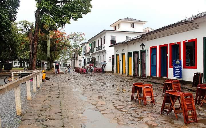 Paraty - Casas antigas e coloridas