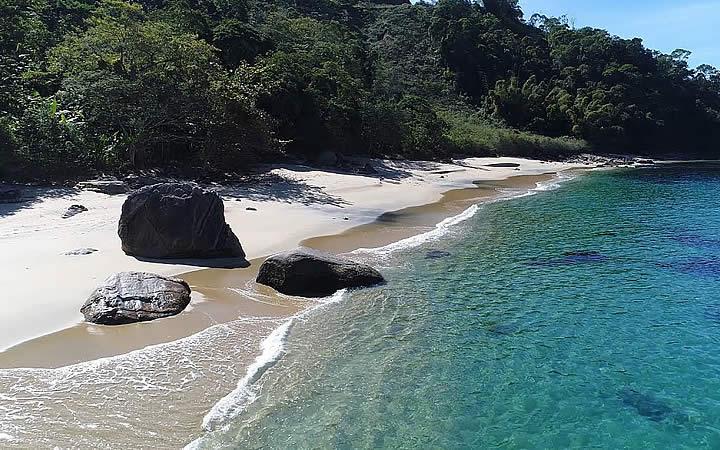 Praia Vermelha em Ilha Grande