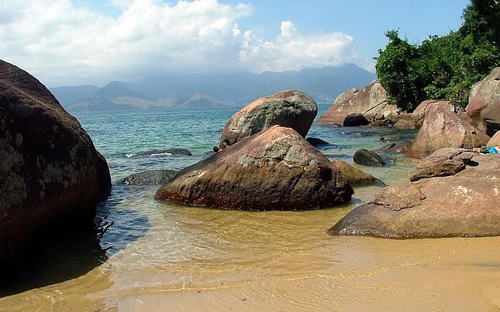 Praia da Feiticeira em Ilha Grande