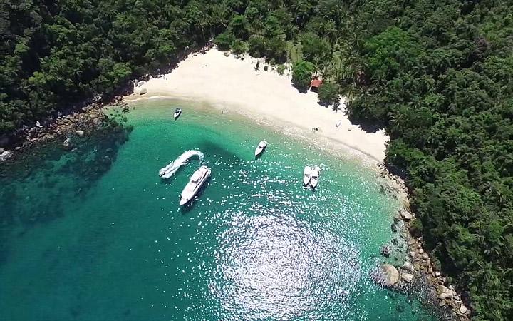 Praia dos Meros em Ilha Grande