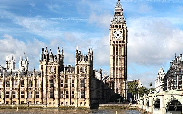 Relógio grande da torre de Ben Elizabeth - Reino Unido