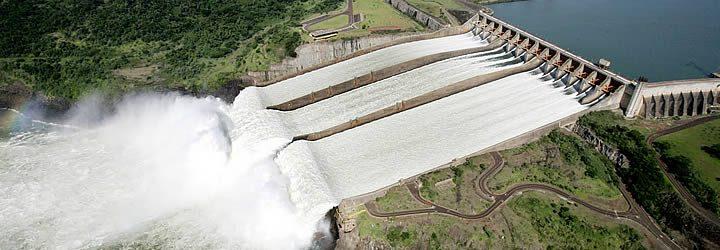 Usina de Itaipu em Foz do Iguaçu