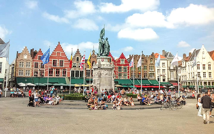 Grote Markt em Bruges