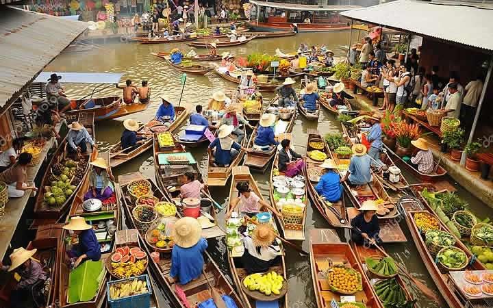 Mercado Flutuante em Bangkok