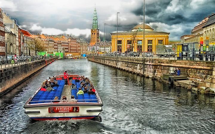 Passeio de barco em Copenhague