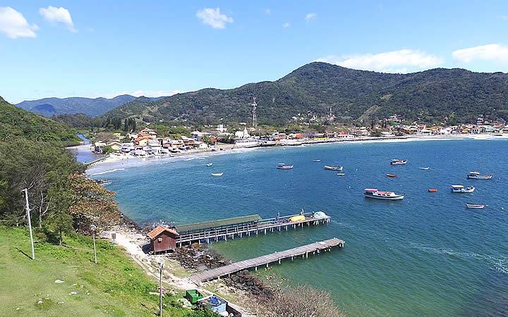 Praia da Armação em Florianópolis