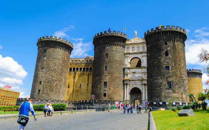 Castel Nuovo em Nápoles