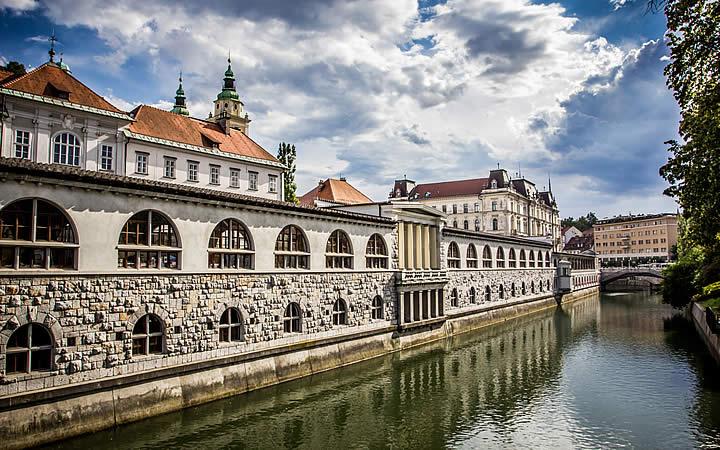 Mercado central em Liubliana