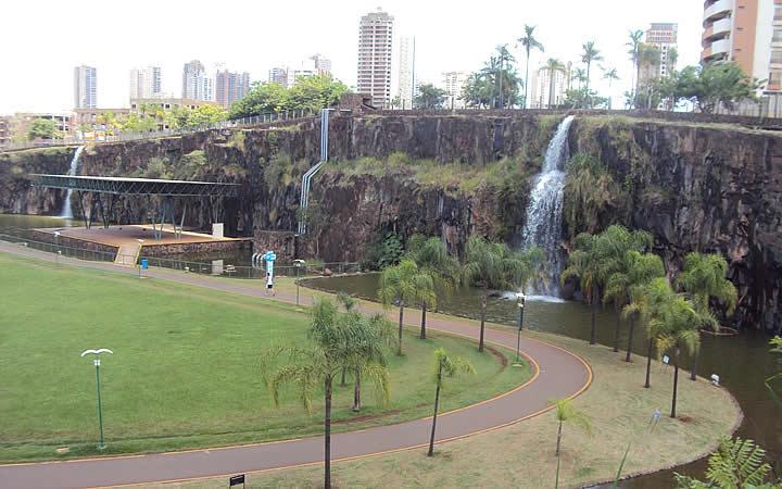 Parque Doutor Luiz Carlos Raya