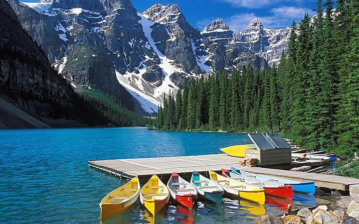 Parque Nacional de Banff - Barcos a beira do lago