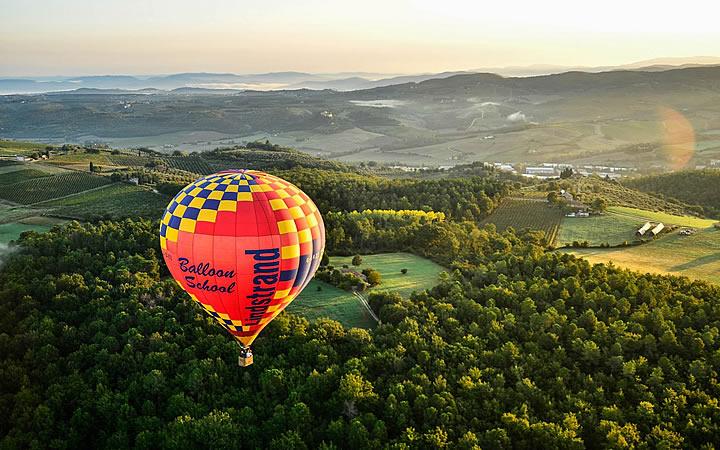 Passeio de Balão na Região de Toscana