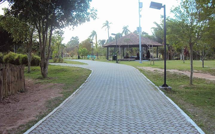 Pista de Cooper ao redor Lago Francisco Rizzo - Embu das Artes