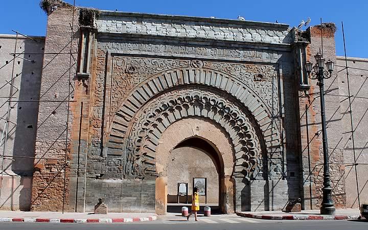 Portal de entrada da Rua Bag Agnaou em Marraquexe