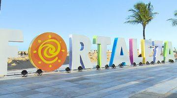 Fortaleza - Letreiro a beira da praia