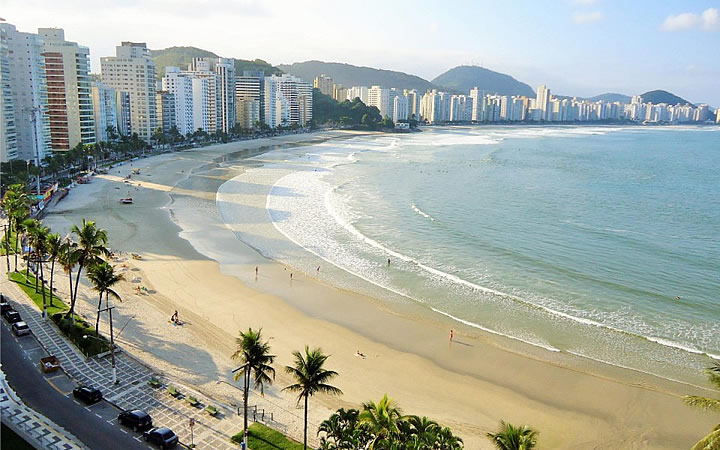 Praia das Astúrias em Guarujá