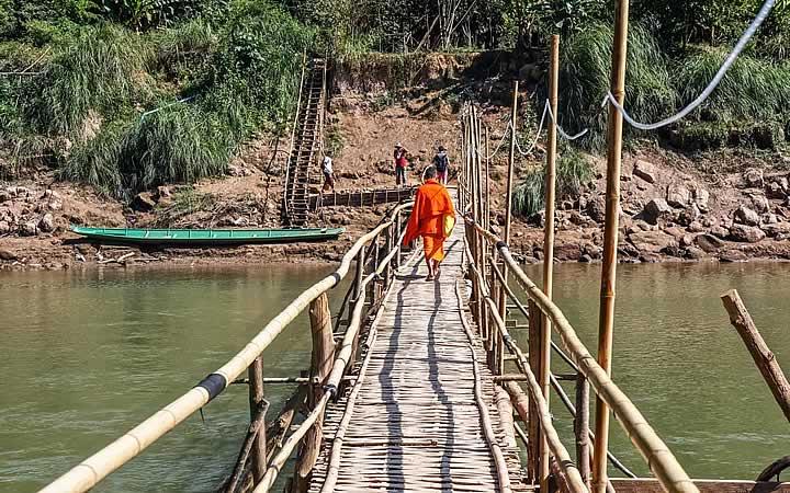 Rio Mekong e a Ponte de Bambu