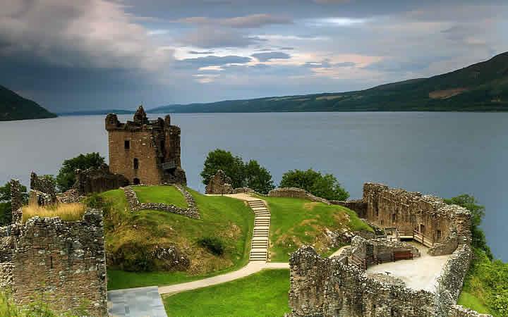 Visão para o lago ness em Inverness
