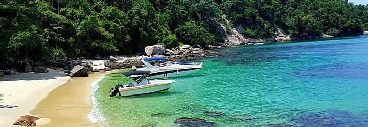 Barcos em Ilha Grande