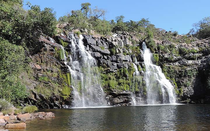 Cachoeira Poço Encantado em Chapada dos Veadeiros
