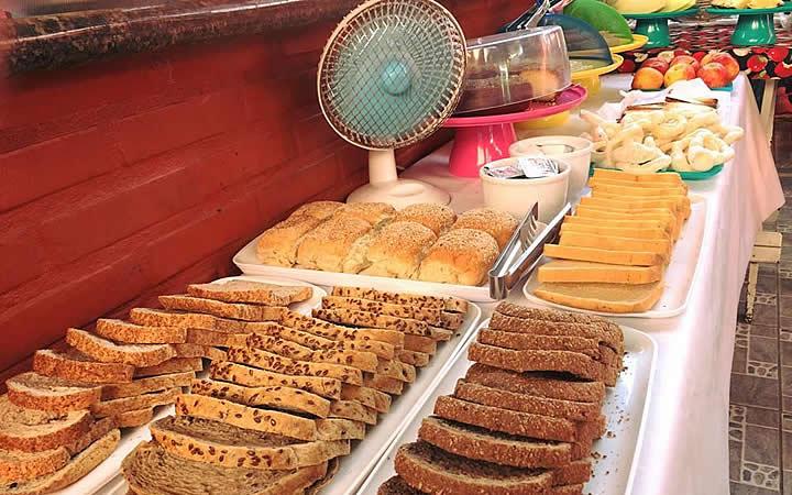 Café da manhã na Pousada Nalú