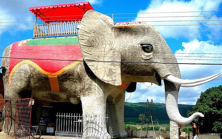 Casa Elefante em Cordisburgo