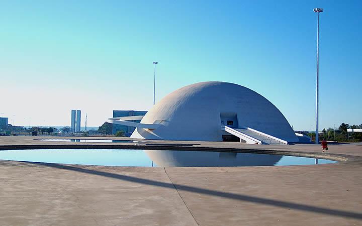 Faixada do Museu Nacional de Brasília