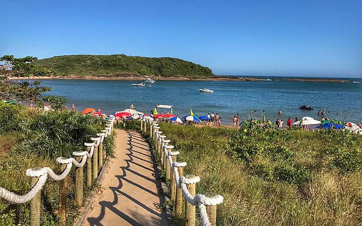 Praia Enseada Azul em Guarapari
