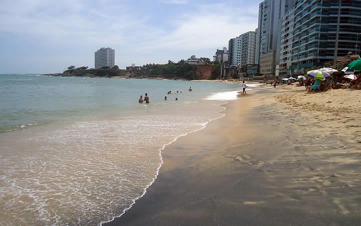 Praia da Areia Preta em Guarapari