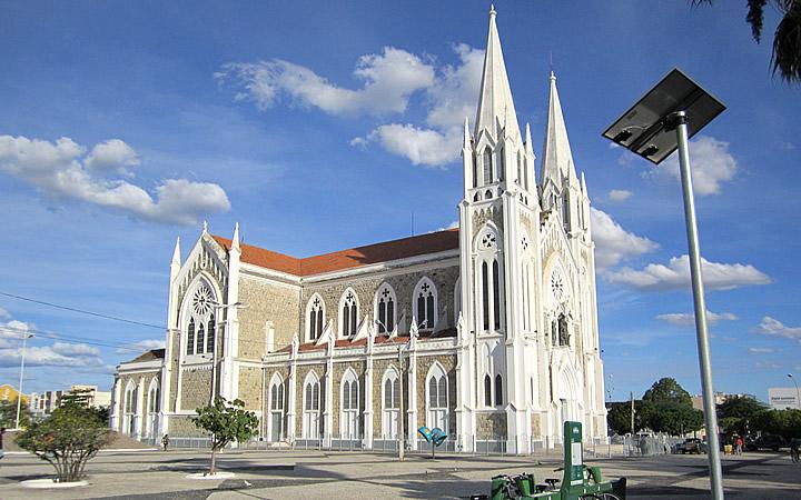 Lado de fora da Igreja sagrado coração de Jesus - A catedral de Petrolina em Pernambuco