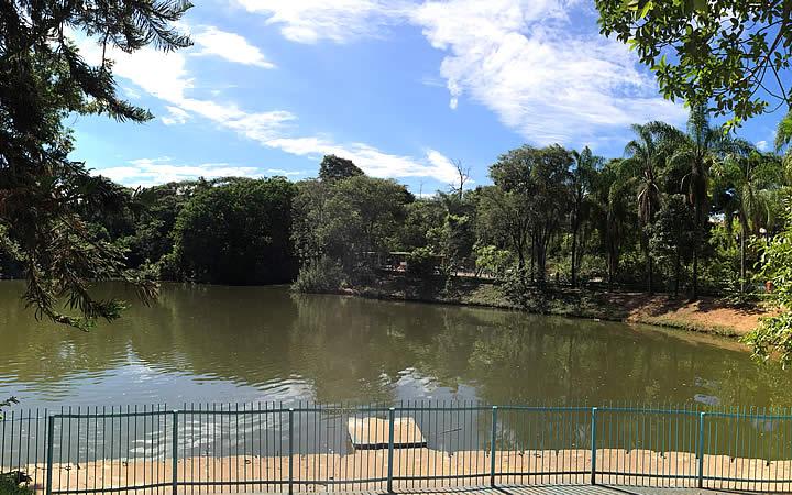 Lago do Parque Novo Horizonte em Varginha