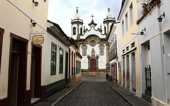 Ruas do centro histórico de São João del Rei que leva a Igreja de Nossa Senhora do Carmo