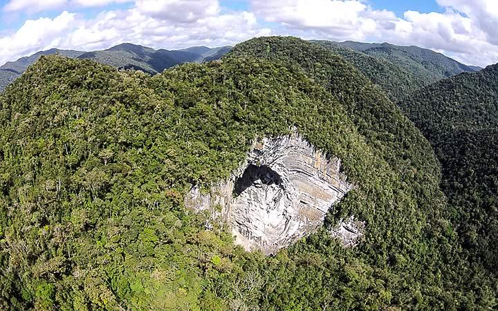 Casa na Pedra - Caverna enorme no Parque do PETAR