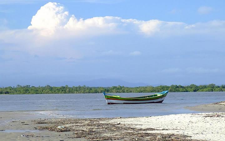 Ilha das Peças em Superagui