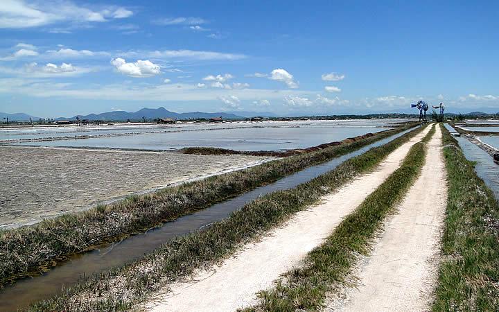 Salinas de Praia Seca em Araruama