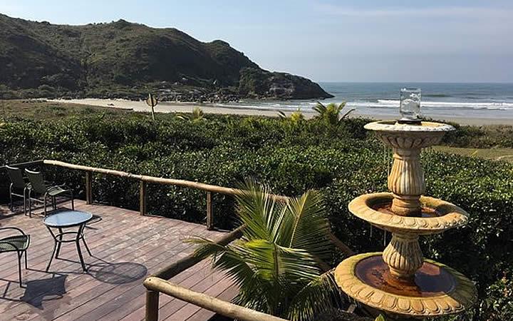 Vista para praia na Pousada Grajagan Surf Resort